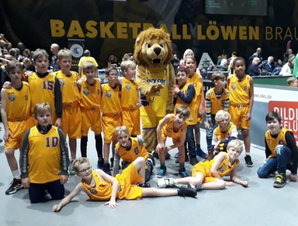 U10 spielt vor 3.000 Zuschauern in der Volkswagenhalle gegen TuS Bothfeld